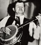 Bluegrass vs Clawhammer Banjo + 'Things in Life' Tab
